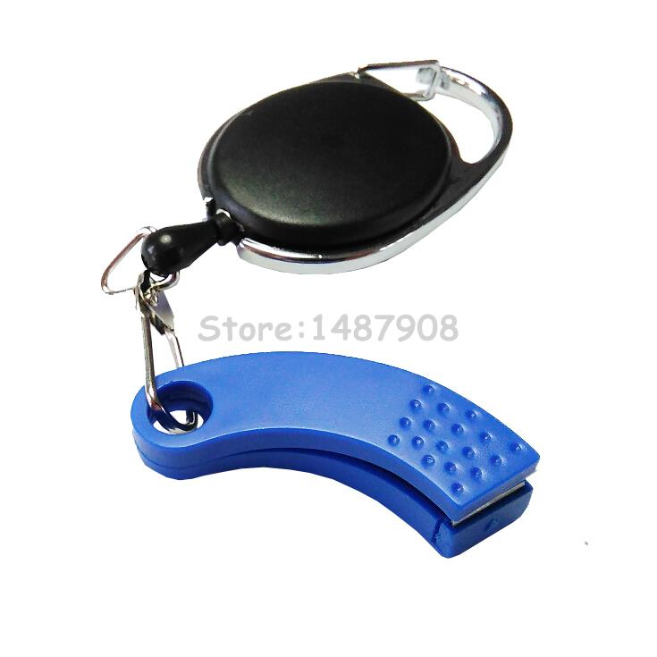 Clip on retractor zinger with nippers fly fishing tools for Fly fishing nippers