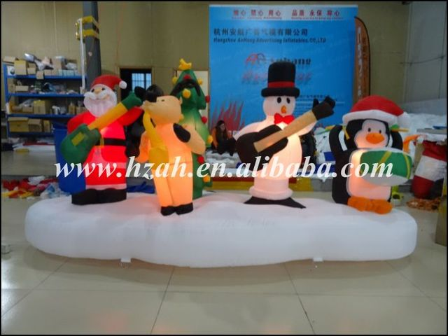 Newest Xmas Decorations Inflatable Christmas Band With Santa Deer Snowman And Penguin