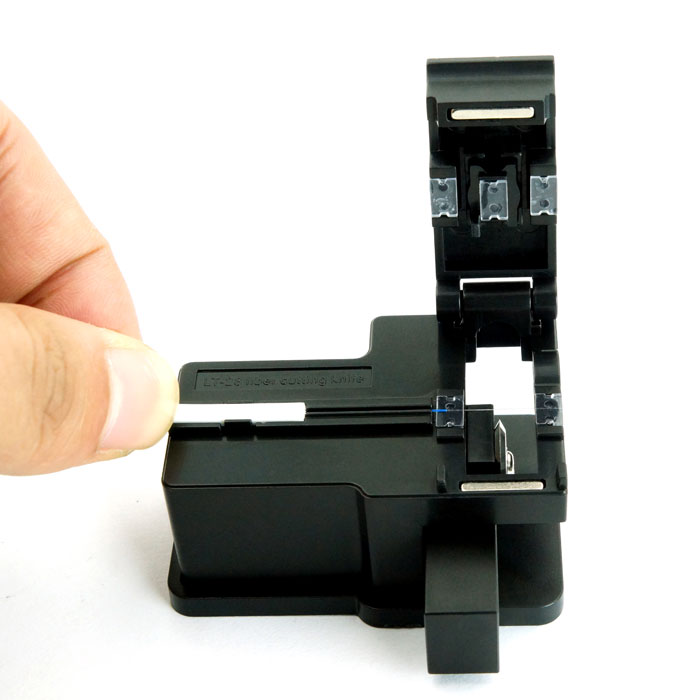 Freies Verschiffen Mini Kunststoff FTTH Fiber Optic Cleaver Cutter LT-28