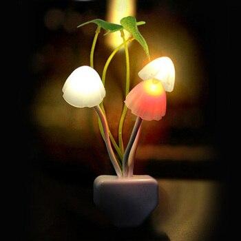 Novedad hongo luz nocturna UE y EE. UU. Enchufe Sensor de luz 220V 3 LED lámpara de hongo colorido Led luces de noche