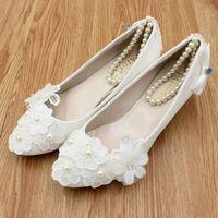 בלינג Rhinestones פניני תחרה לבנה אופנה חדשה תחבושת העקב מותאם אישית סקסי משאבות צד נעלי כלה נעלי חתונה נשים