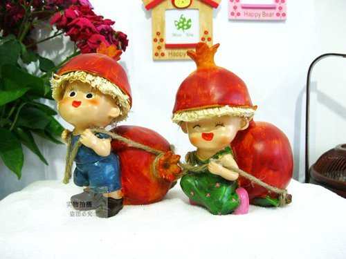 MOQ:1 pair! Free shipping handcraft painted resin table ornament one pair of fruit moppets/ Christmas gift