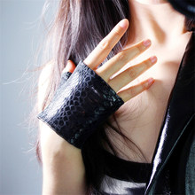 2019 Latest Genuine Leather Fingerless Gloves Female Black Snakeskin Semi-Finger Pure Sheepskin Woman's Leather Mittens TB128-2