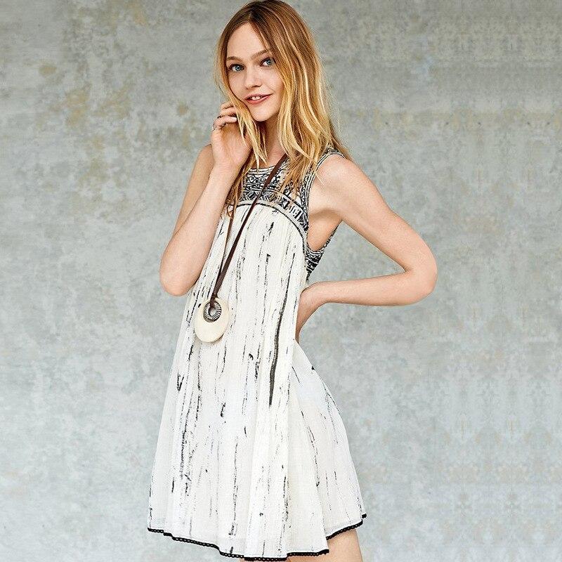 1da5ff96f Bordado 2016 mujeres del verano vestido sin mangas del patrón geométrico  blanco bohemio vestidos backless Vestido de playa vestidos