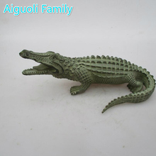 Ancient oriental chinese old bronze carved crocodile statue/ long 9inch metal animals sculpture
