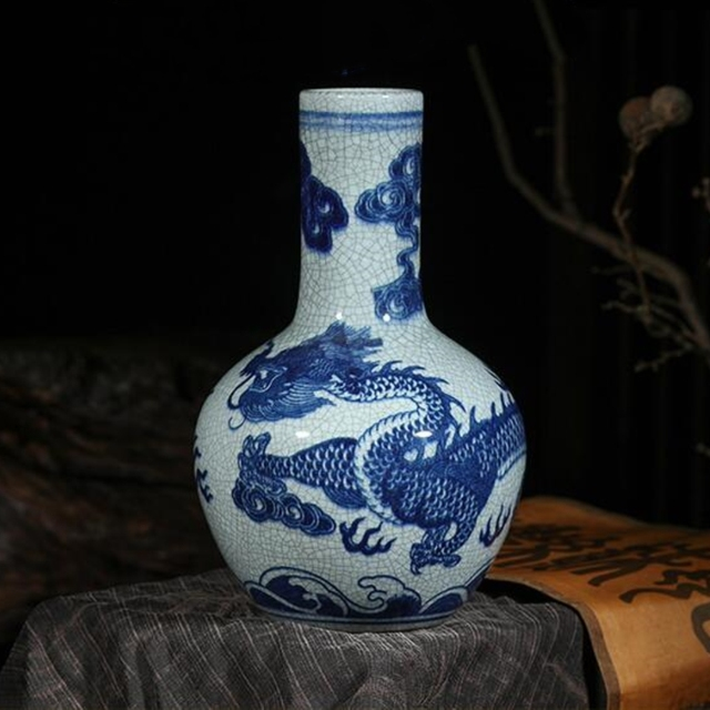 Jingdezhen Ceramic Blue And White China Dragon Decoration Vase