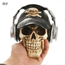 BUF Resin Craft Statues For Decoration Skull Wthe Headphone Creative Skull Figurines Sculpture Home Decoration Accessories