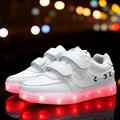 2017 nuevas luces led de carga usb colorido zapato de los niños muchachos de la manera muchachas luminoso shoes niños destello ocasional de las zapatillas de deporte