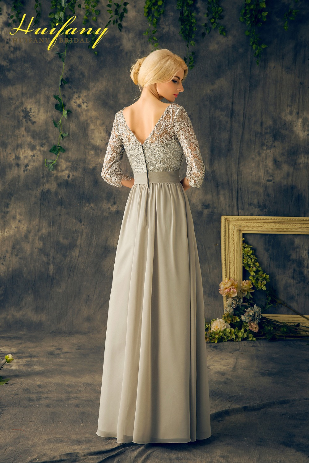 Sage Green Mother Of The Groom Dress For Wedding Bateau Neck Low Back Lace Half Sleeves Bride Dresses Real Image In