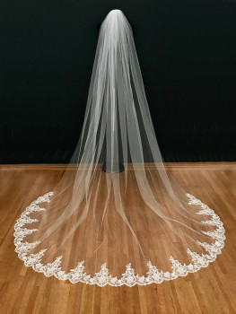 Wedding Accessories White/Ivory Wedding Veil 3m Long with Comb Lace Mantilla Cathedral Bridal Veil Veu De Noiva Real Photos wholesale 3 meter tulle long cathedral wedding veil full lace trim appliqued 3m bridal veil for bride veu de noiva longo no comb