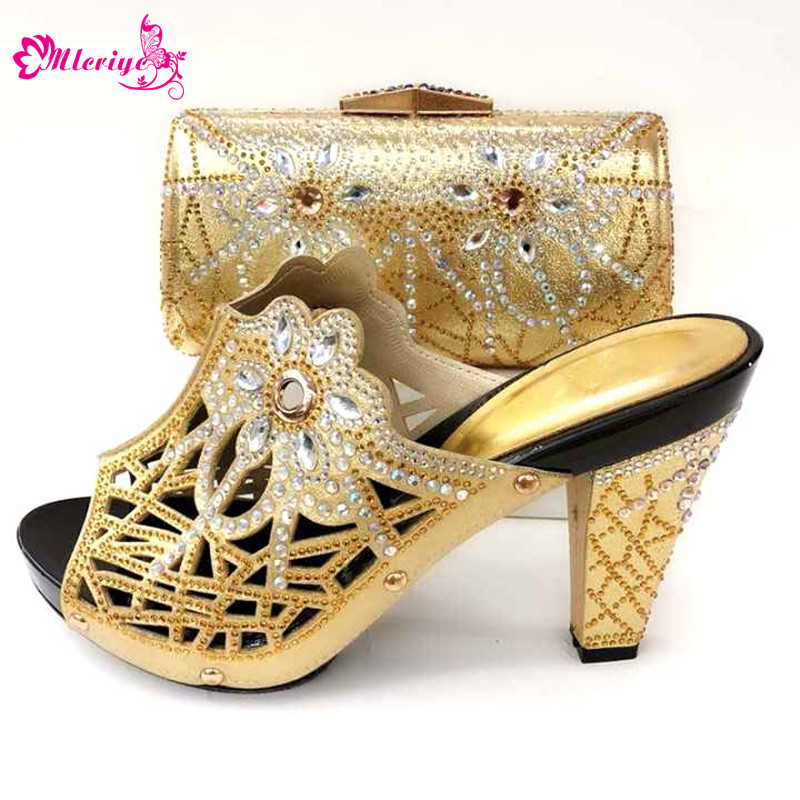 2019 New Summer Africa Pretty Women Shoes And Bag Set GOLD COLOR Nigeria PU Rhinestone High Heels Shoes And Bag Set For Party 2017 hot selling ladies slipper shoes and bag set for party africa style summer high heels shoes and bag set fuchsia bch 17