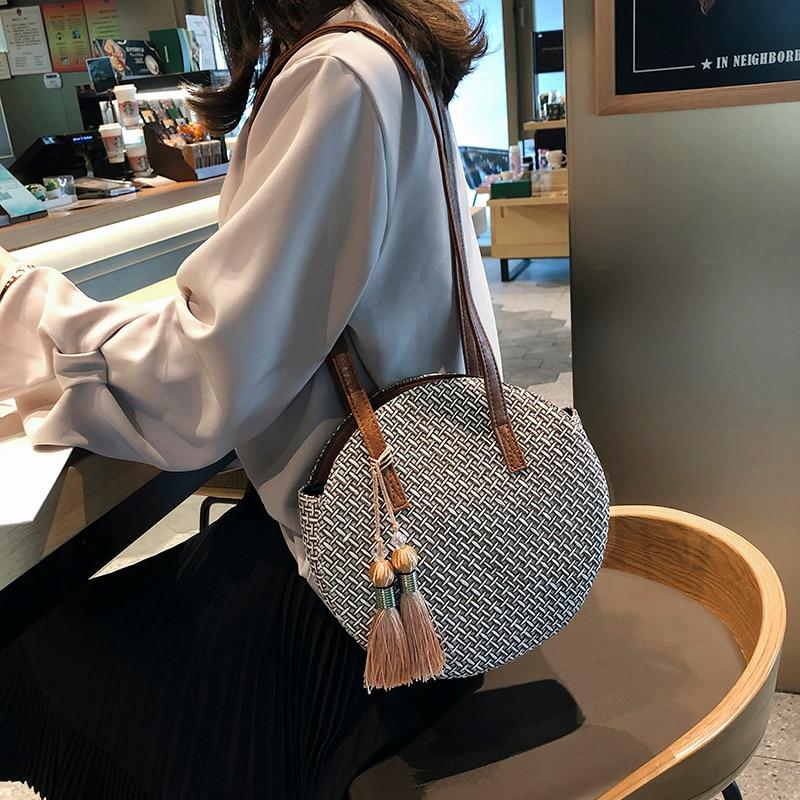 2019 Round tassel The New Straw Bag Handbags Women Summer Rattan Bag Handmade Woven Beach Circle Bohemia Handbag New Fashion