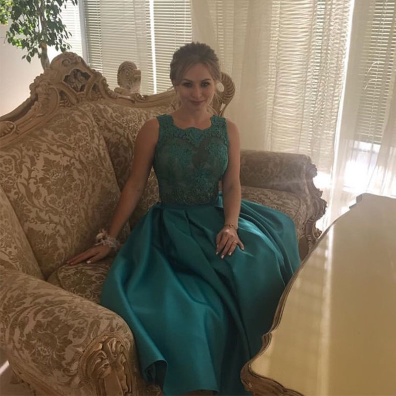 lamiabridal Tea Length Bottle Green Vestido De Festa Short   Bridesmaid     Dresses   Illusion Bodice Lace Backless Formal Party Gowns
