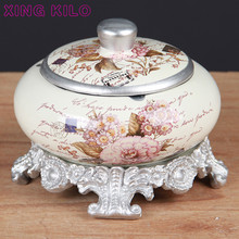 XING KILO European retro ceramic large ashtray + lid base, creative coffee table decoration ornaments