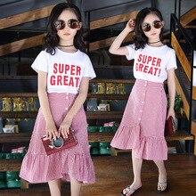 Roupas de verão para Crianças Meninas Moda Crianças Conjuntos de Roupa de Crianças Saia De Algodão Carta de Impressão T shirt Branca + Saias Xadrez 2pcs Terno