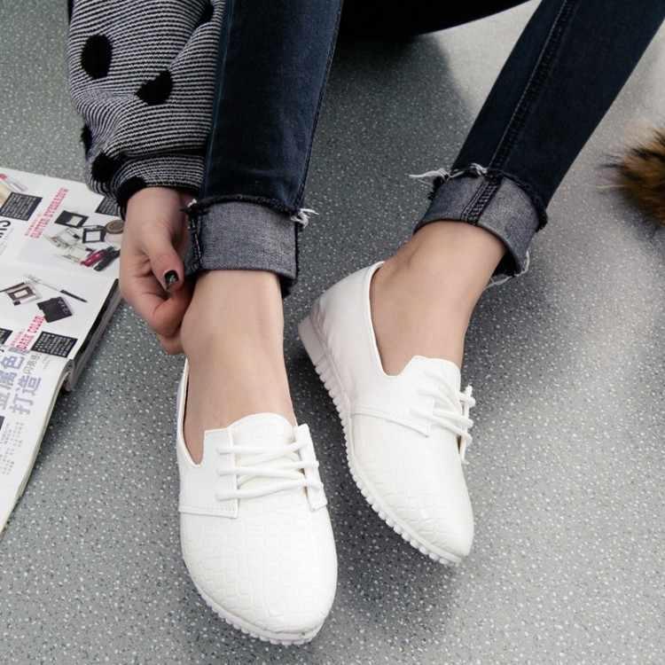 Qin Kuan Nieuwe Lente Vrouwen Schoenen Wees Teen Plus Size 35-39 Dames Vrouwen PU Leer Platte Doug Schoenen