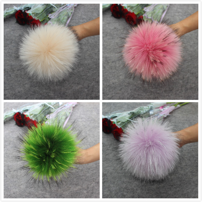Image 3 - 4pcs/lot New Color DIY Natural Real Raccoon Fur Pompoms Fluffy Genuine Fur Pom pom for Winter Hat Beanies Knitted Cap Skullies-in Men's Skullies & Beanies from Apparel Accessories