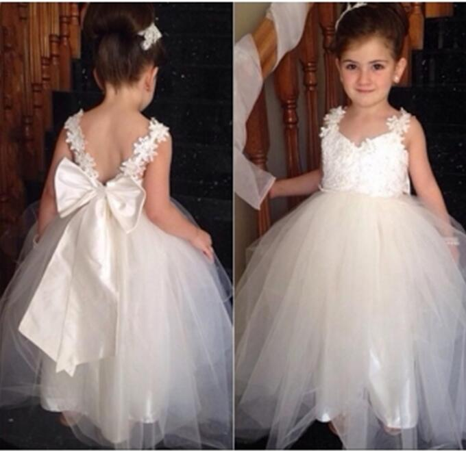 Ivory 2019   Flower     Girl     Dresses   For Weddings Ball Gown V-neck Tulle Appliques Lace Long First Communion   Dresses   For Little   Girls