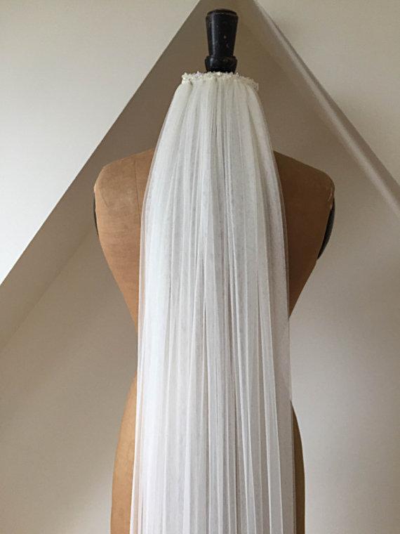 Egyházi esküvői fátyol 1.5MFehér / Elefántcsont puha tüll háló menyasszonyi fátyol fésűvel, kristály haj kiegészítőkkel, esküvői kiegészítőkkel