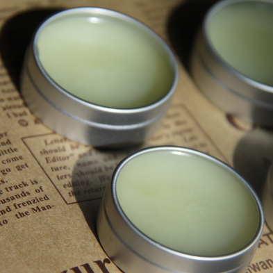 Moisturizing lip balm wild safflower camellia-oil melissa camellia-oil
