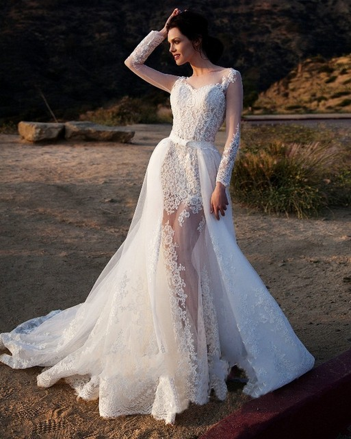 2017Sexy Appliques Lace Beach Wedding Dress Long Sleeve Tulle