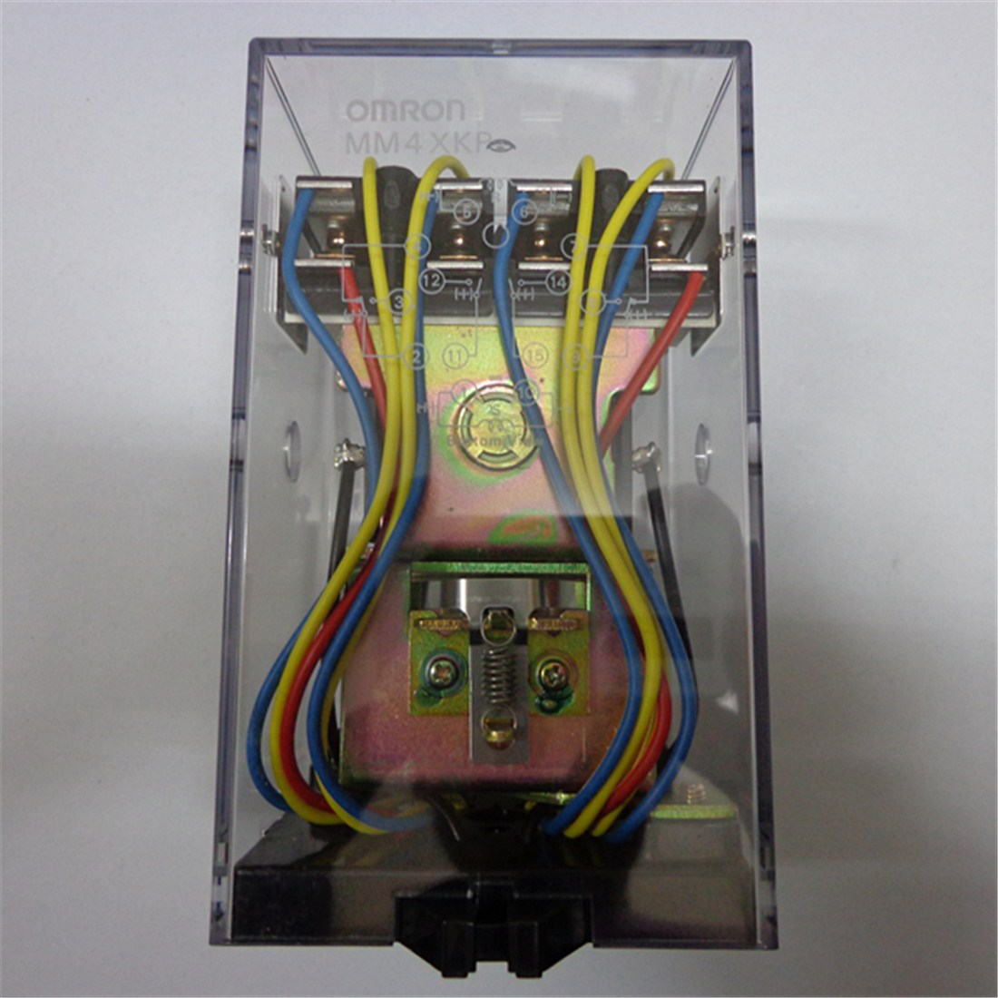MM4XKPMM4XKP 100 / 110VDC relays