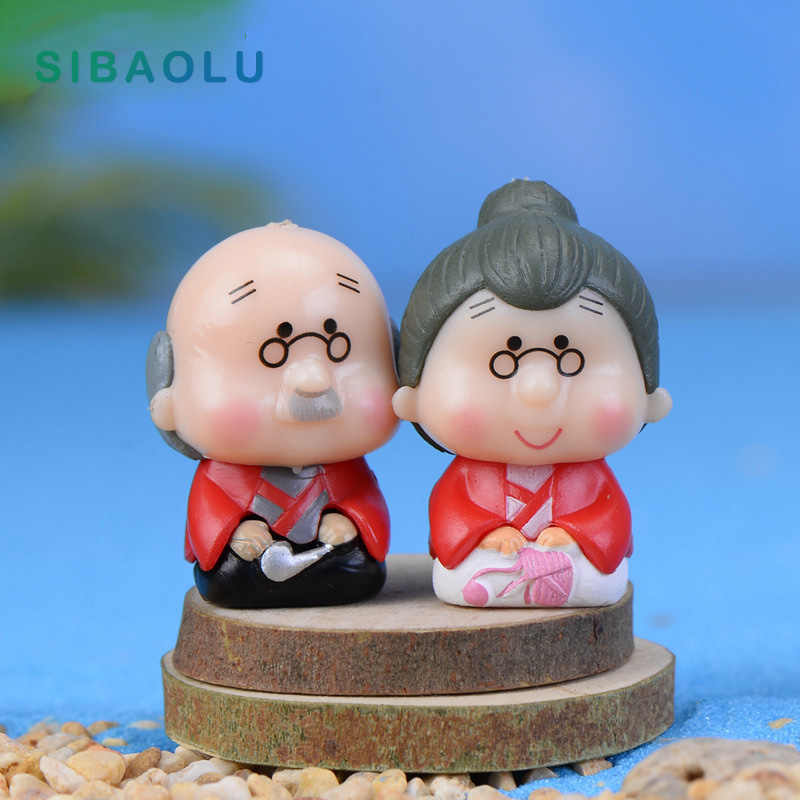 2pcs Old Grandma Couple Miniature Figurine Cartoon wedding Cake home Decoration Character Anime garden figures action model doll