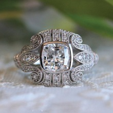 Huitan Vintage Women Ring Solitaire Cubic Zircon Anniversary Present For Wife Gothic Pattern Girls Addicted New Come
