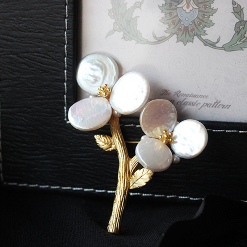 WKOUD EAM Jewelry / 2018 New Fashion High-end Custom Shaped Shaped Pearl Silver Branch Flower Brooch Women's Accessories S#B106 faux pearl s shaped cuff ring
