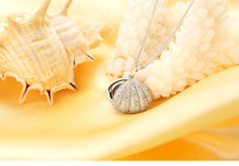 New Arrival women shell shape with AAAA bright 925 sterling silver 7-8mm real natural freshwater pearl pendant