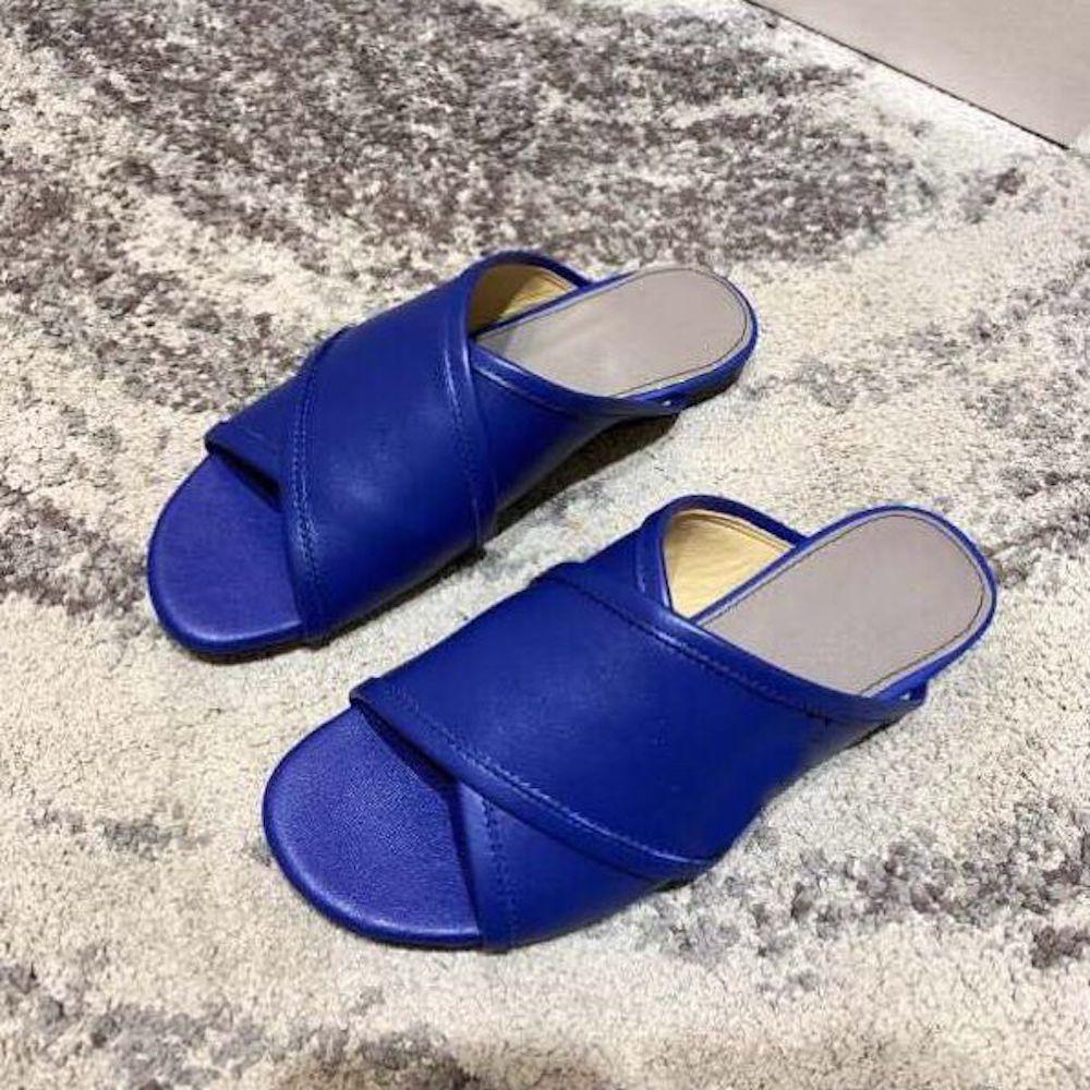 Ayakk.'ten Terlikler'de Stkehidba 2019 Yeni FashionWomen Ayakkabıları Hakiki Deri Slaytlar Bayanlar Lüks Tasarımcı Sandalet yüksek kaliteli ayakkabılar düz terlik'da  Grup 1