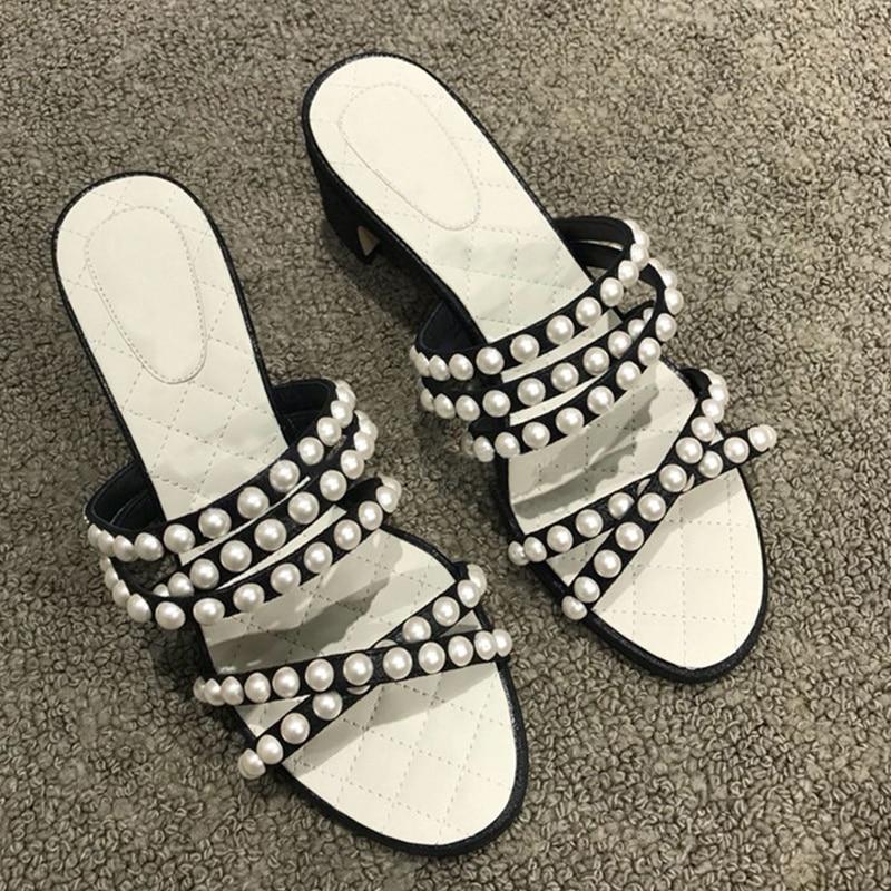 2018 Women Slipper Open Toe Med Heel Woman Slides Fashion Brand Designer Pearl Decor Women Shoes Cozy Runway Summer Beach Shoes