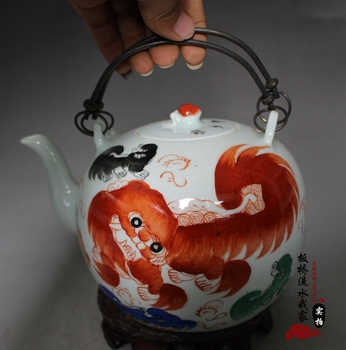 Porcelain household decoration, collection of ornaments, do old retro Tai lion hand-held pot.