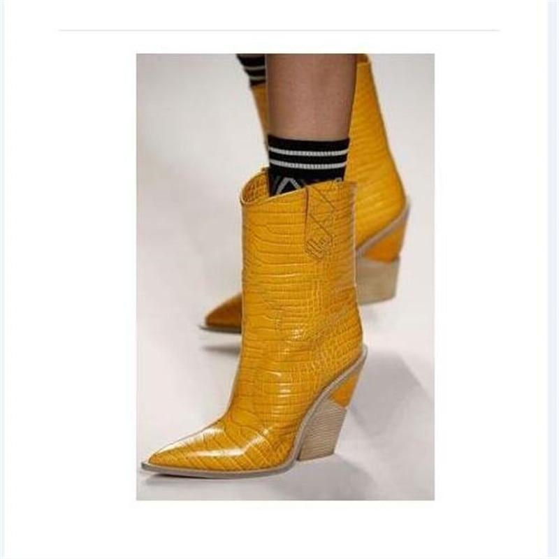 JAWAKYE Spike de tacón alto botas de dedo del pie puntiagudo Punk botas de invierno botas de cuña de las mujeres de grano de madera deslizamiento en serpiente de tobillo botas para las mujeres-in Botas hasta el tobillo from zapatos    3