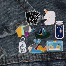 Chat dinosaure baleine lapin cheval astronaute Poker pain souhaitant bouteille tente chapeau émail broche unisexe Denim collier Badge broches(China)