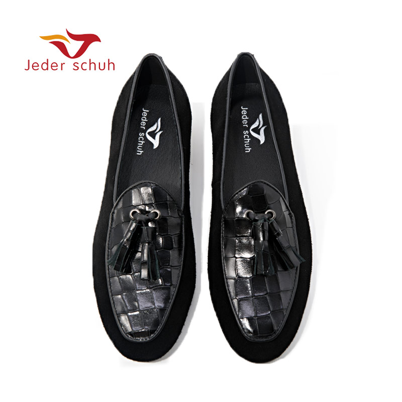 Men loafers Stitching leather leather loafer Tassels Design collocation wedding and party shoesMen loafers Stitching leather leather loafer Tassels Design collocation wedding and party shoes