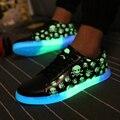 Мужчины череп загорается светодиодный световой светящиеся USB Свет Обувь Светящиеся Светодиодные Обувь Квартиры Super Cool Взрослых Lumineuse Обувь