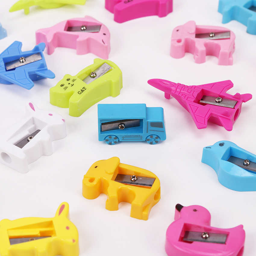 8PCS Cute Animal Pencil Sharpener Cartoon Stationery Cat and Duck Plastic Pencil Sharpeners for Kids Student School Gift