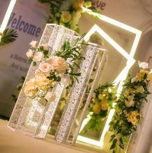 все цены на New wedding T-platform six prism road lead iron carving props road lead decorative wedding road guide онлайн