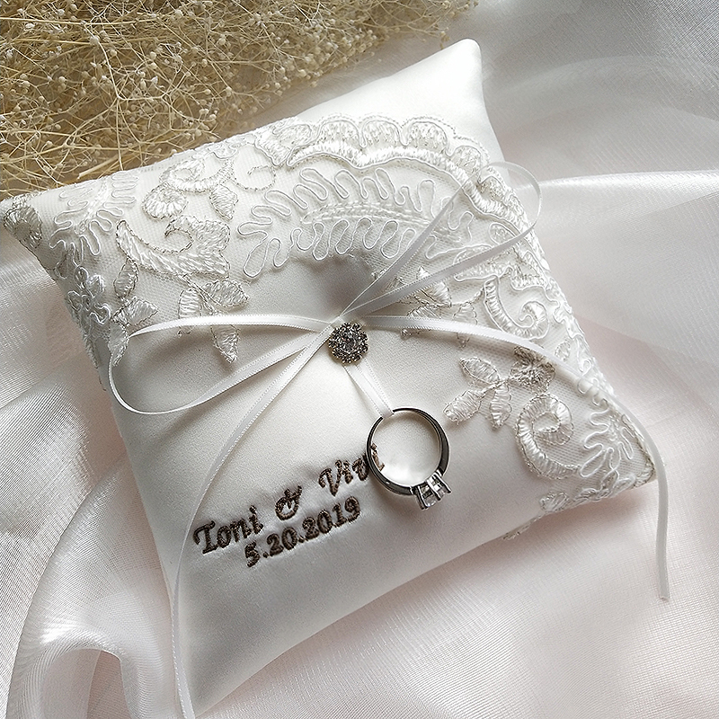 1pcs lot Personalized Satin Lace Bride Ring bearer cushion Wedding proposal Marriage day photo prop decorations Ring pillow
