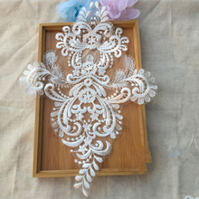 цены на 5Pcs Embroidery Applique Lace Fabric Applique For Costume Decor Lace Patch Sewing Trims Wedding Dress TT501  в интернет-магазинах