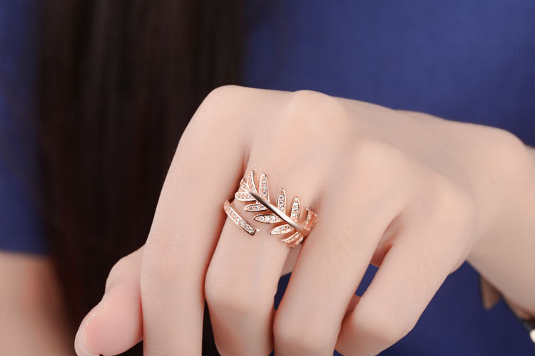 925 Sterling Silver New Fashion Feather Design Shiny Zircon Adjustable Size Rings for Women Jewelry Christmas Gift Wholesale in Rings from Jewelry Accessories