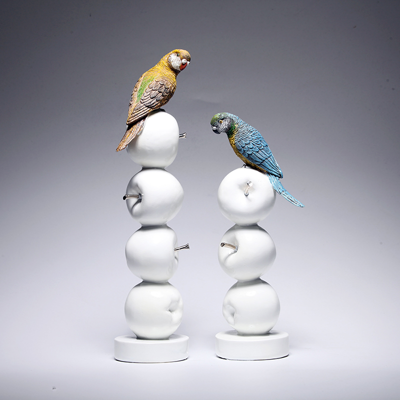 Hot! Perroquet Moderne Européenne Style Jardin Oiseau Ornement Pop Art Résine Artisanat Apple Figurine Statue Meilleur Cadeau, Livraison Gratuite