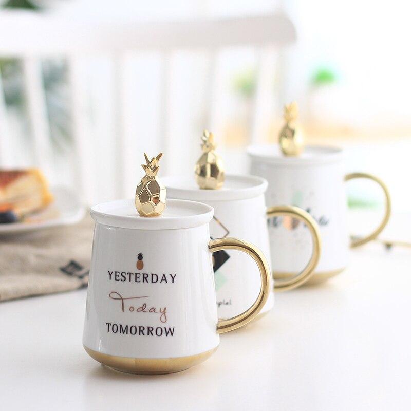 Pineapple Coffee Cups Creative Ceramics Tea Cup European Gold Color Handle Mugs with Lid Home Breakfast Milk Mug Fancy Gifts