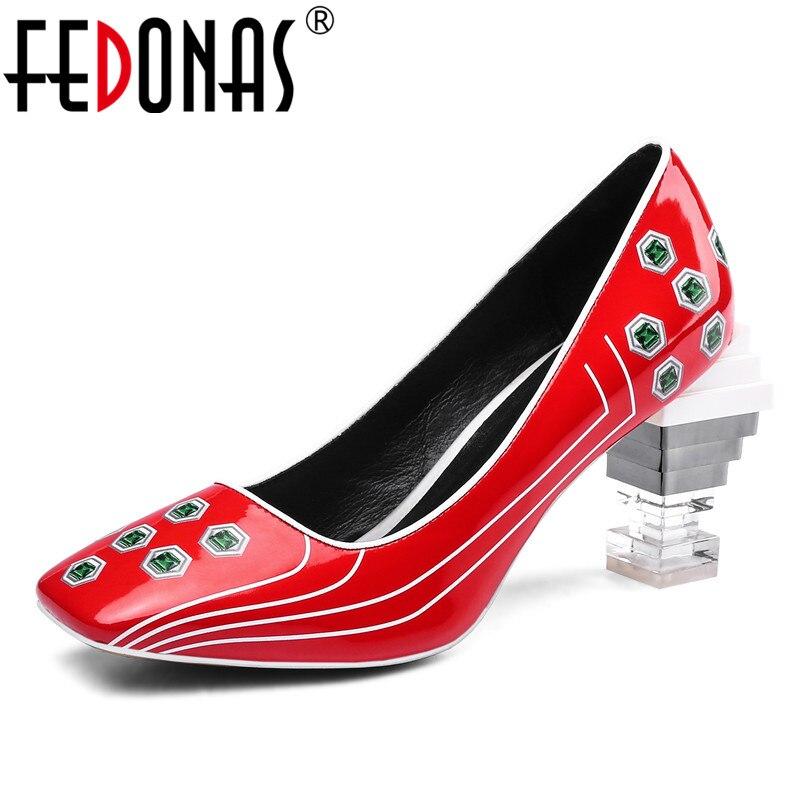 FEDONAS الأزياء براءات الاختراع والجلود فاسق النساء مضخات مربع اصبع القدم عالية الكعب النادي الليلي أحذية الربيع أحذية الصيف امرأة-في أحذية نسائية من أحذية على  مجموعة 1