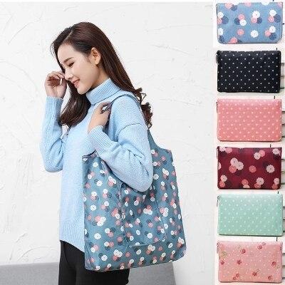 купить Fashion Eco friendly Printing Foldable Shopping Bag Tote Folding Pouch Handbags Convenient Large-capacity Storage Bags по цене 169.31 рублей