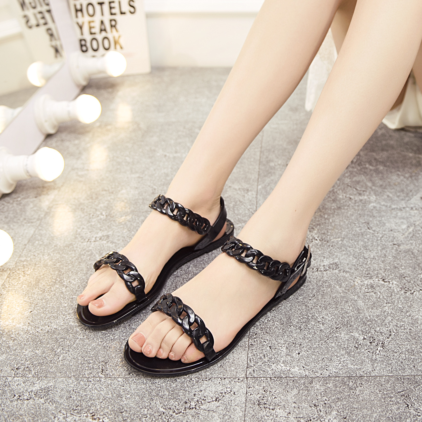 Sandals shoes comfortable - Summer Chains Womens Sandals Hollow Jelly Shoes Comfortable Flat Sandals Rome Popular Sandalias Mujer Buckle Solid