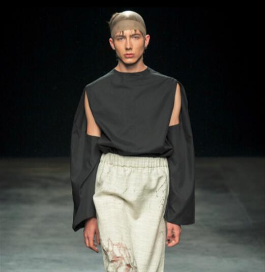 Été nouveau T-shirt homme à manches longues trou personnalisé noir foncé piste haut décontracté tendance. S-6XL!!