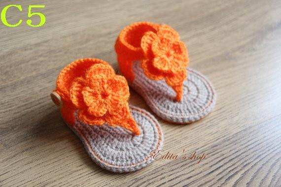 Freies Verschiffen häkeln Babyschuhe, Baby Orange Blumen Flip Flops ...
