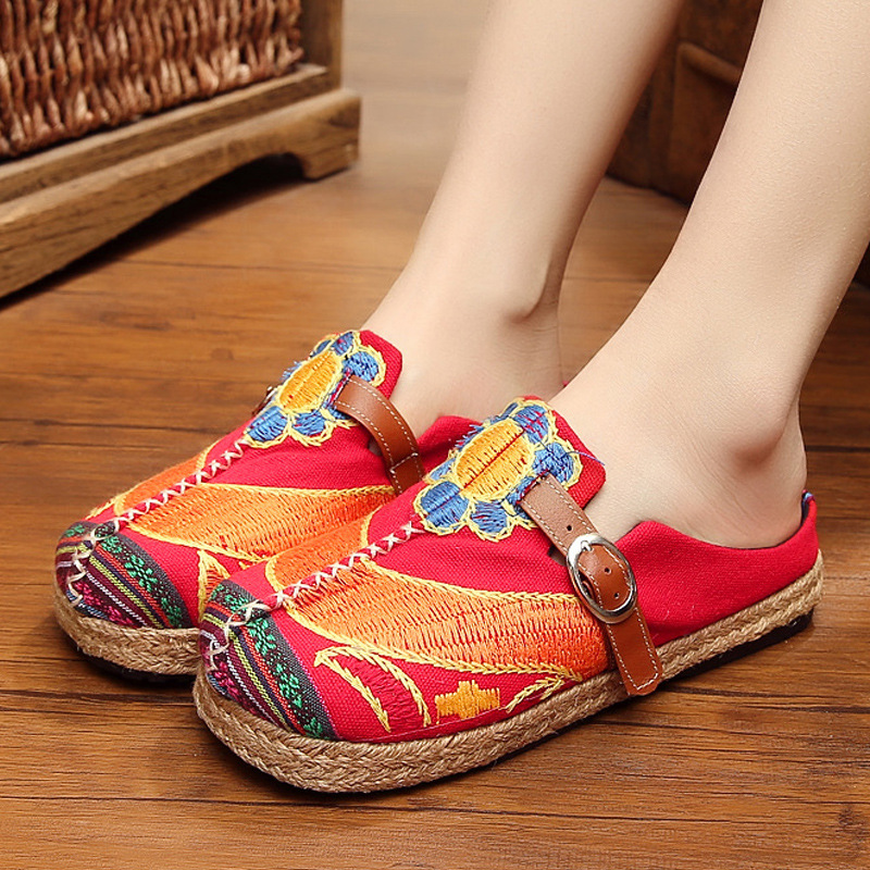2018  women shoes spring and summer old Beijing folk style sun flower embroidery embroidered fiats shoes series round shoes vintage embroidery women flats chinese floral canvas embroidered shoes national old beijing cloth single dance soft flats